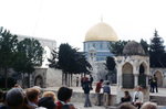 Jerusalem: Tourists at the Dome of the Rock